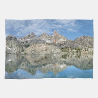 Minaret Lake 2 - Ansel Adams Wilderness - Sierra Hand Towels