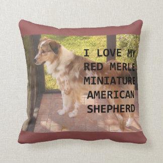 mini Australian_shepherd red merle love w pic Throw Pillow