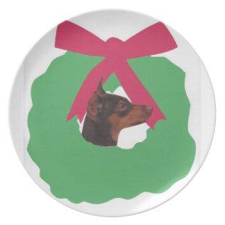 Miniature Pinscher Holiday Wreath Plate