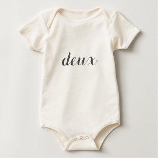 "Minimalist 2nd Birthday Shirt | French ""deux"""