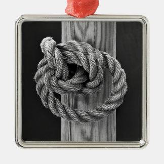 Minimalist Rope Knot Metal Ornament