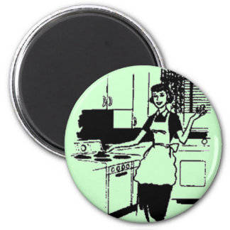 Mint Retro 50's Housewife in the Kitchen Magnet
