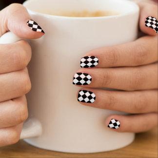Minx noir et blanc de damier nail art