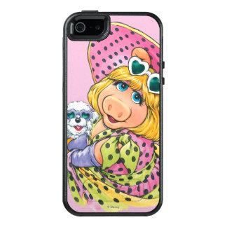 Miss Piggy Holding Puppy OtterBox iPhone 5/5s/SE Case