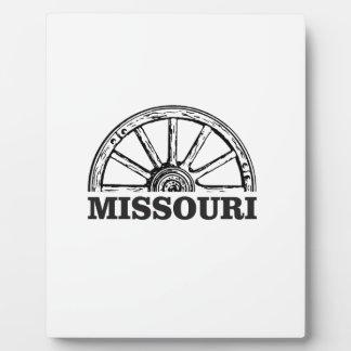missouri wagon wheel plaque