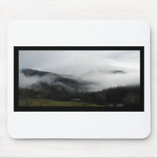 MISTY MOUNTAINS OF THE PACIFIC NW MOUSE PAD