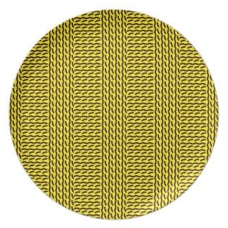 Mock rib stitch plate, yellow & dark brown party plates