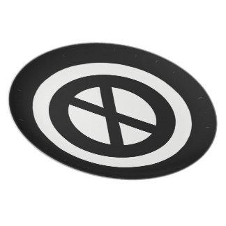 MOD-X-MUSEUM-PRIMITIVE--RAD-STYLE_Black-White Plate
