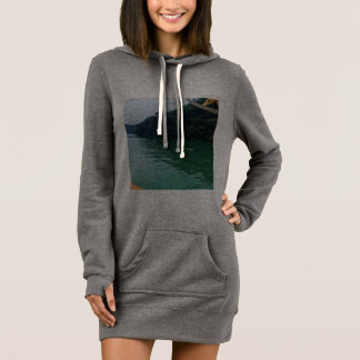 moletom with pointed hood with image of great dress