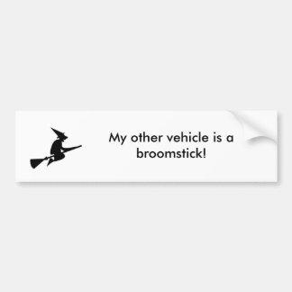 Mon autre véhicule est un manche à balai ! autocollant de voiture