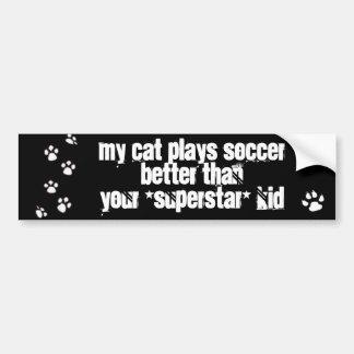 Mon chat joue au football mieux que votre enfant autocollant de voiture