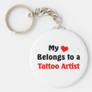 Mon coeur appartient à un artiste de tatouage porte-clé rond