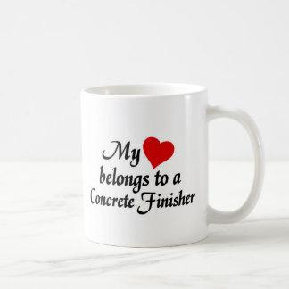 Mon coeur appartient à un finisseur concret mug blanc