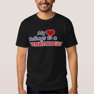 Mon coeur appartient à un hématologue tee-shirts