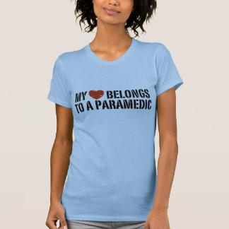 Mon coeur appartient à un infirmier t-shirt