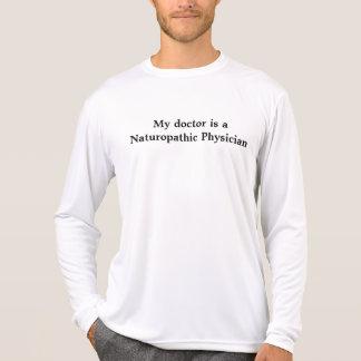 Mon docteur est un médecin de naturopathique t shirts