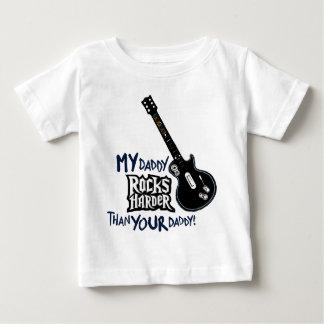 Mon papa BASCULE PLUS DUR que votre papa ! T-shirt Pour Bébé