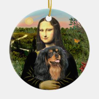 Mona Lisa - Cavalier (black/tan) Round Ceramic Ornament