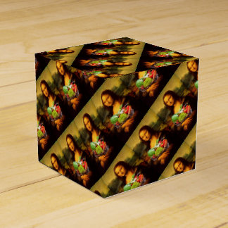 Mona Lisa Loves Vegetables Party Favor Boxes