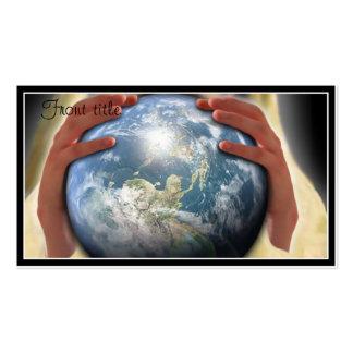 Monde entier dans des ses mains modèle de carte de visite