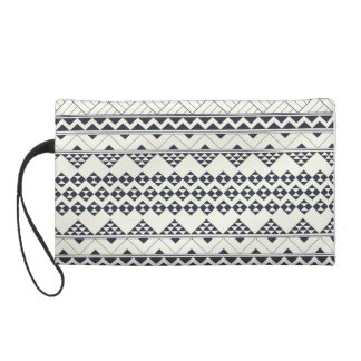 Monocromatic Tribal zigzag triangular pattern Wristlet