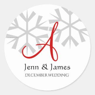 Monogramme de faire-part de mariage d'hiver un adhésifs ronds