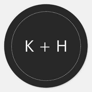 Monogramme minimaliste de mariage sticker rond