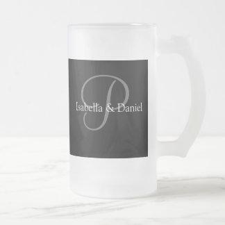 Monogrammes de tasse de cadeaux de mariage