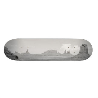 Monument Valley (black and white) 2 Skateboards