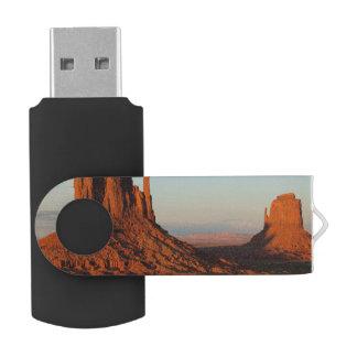 Monument valley,Colorado Swivel USB 2.0 Flash Drive