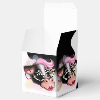 MOO FACE CARTOON Classic 2x2 Favor Box