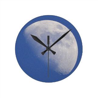 Moon Round Clock