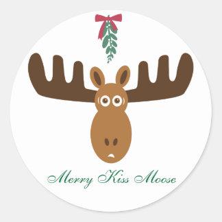 Moose Head_Mooseltoe_Merry Kiss Moose Classic Round Sticker