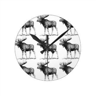moose mess round clock