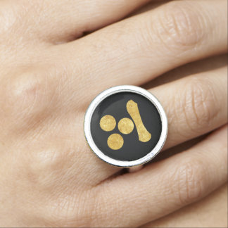 Mori Mon Japanese samurai clan gold on black Ring