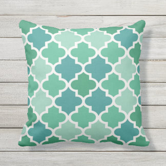 Moroccan Quatrefoil Pattern | Emerald Green Throw Pillow