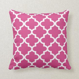 Moroccan Quatrefoil Pattern | Magenta Pink Throw Pillow