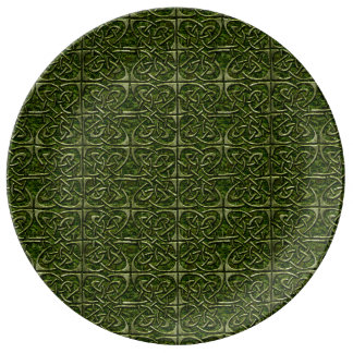 Moss Covered Stone Connected Ovals Celtic Pattern Porcelain Plate
