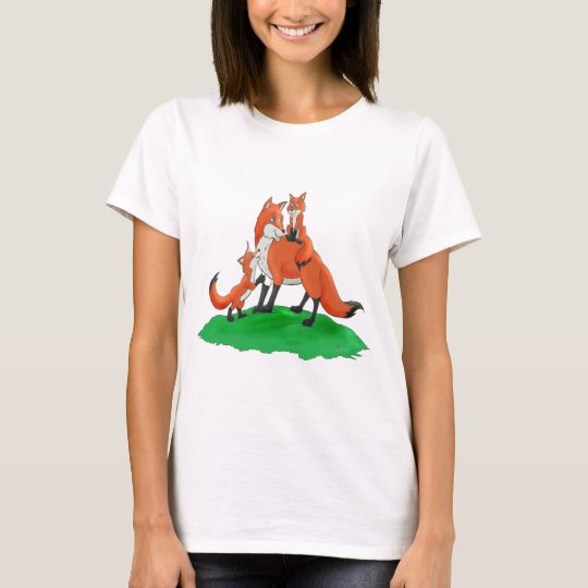 Mother Fox with Babies Gift Items T-Shirt