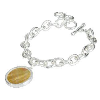 Mother of pearl tones gold bracelet