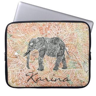 Motif coloré de henné d'éléphant tribal de Paisley Housse Pour Ordinateur Portable