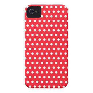 Motif de point rouge et blanc de polka. Tacheté Coque iPhone 4 Case-Mate