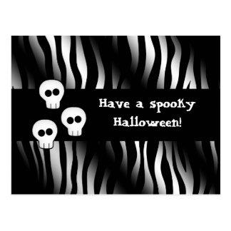 Motif de zèbre pour Halloween avec les crânes Carte Postale