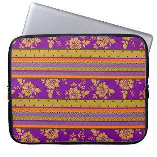 Motif floral de jaune violet chic de moutarde de housses ordinateur