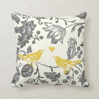 Motif floral vintage gris jaune à la mode d'oiseau coussin décoratif