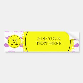 Motif lilas de moustache, monogramme noir jaune autocollant de voiture