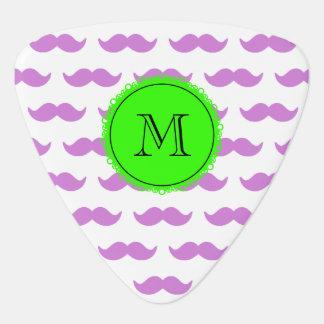 Motif lilas de moustache, monogramme noir vert onglet de guitare