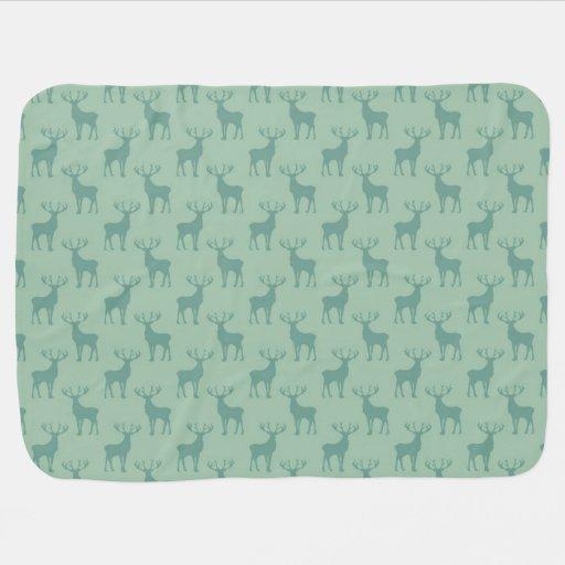 Motif mignon de cerfs communs de mâle dans le vert couvertures pour bébé