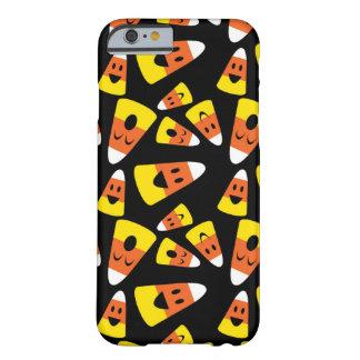 Motif orange de Halloween de bonbons au maïs souri