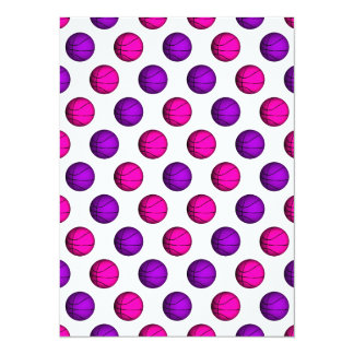 Motif rose et pourpre mignon de basket-ball carton d'invitation  13,97 cm x 19,05 cm